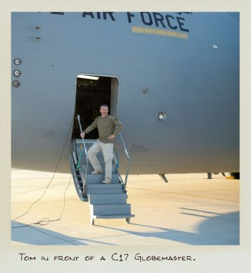 Tom (MILPICTURES) in front of a C-17 Globemaster.