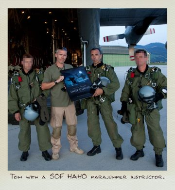 Tom (MILPICTURES) presents his calendar the SOF HAHO paratrooper.